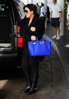 Kris+Jenner+Kris+Jenner+Arriving+Hotel+Miami+4Xi8Gy-21VDl.jpg
