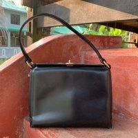 gucci_handbag_1570940349_c01849de.jpg