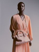 1591810271307764-05-Givenchy-Antigona-Soft-bag_Catalogue-Fall20-by-Sam-Rock.jpg