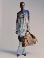 1591810271269748-04-Givenchy-Antigona-Soft-bag_Catalogue-Fall20-by-Sam-Rock.jpg