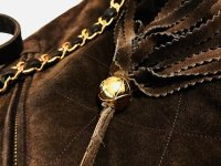 bag zipper pull on the back