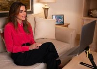 Queen-Rania-in-Jason-Wu-blouse-2.jpg