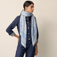 fouets-et-badines-bandana-shawl-140--243420S 11-worn-7-0-0-1700-1700-q99_b.jpeg