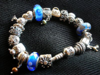 pandora bracelet1.jpg