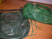 comparison of 06 emerald day and 09 pommier twiggy.jpg